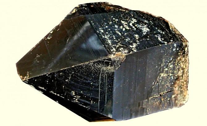 Колдовской минерал