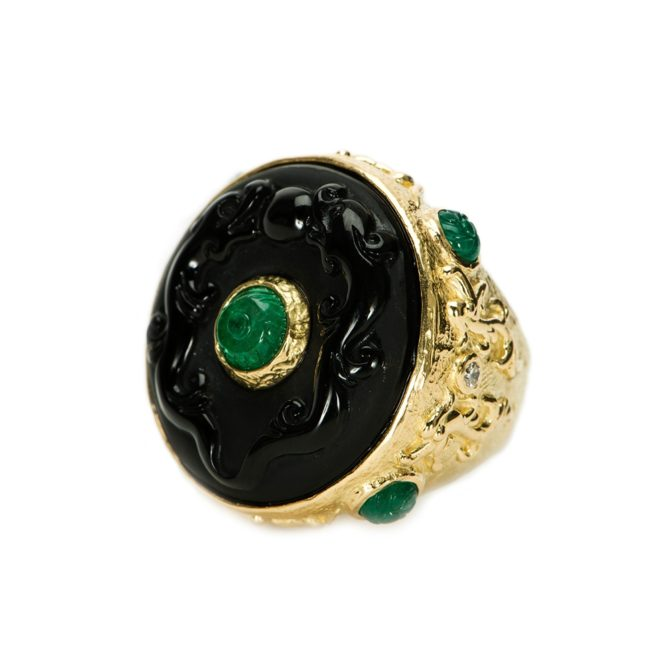 Золотое кольцо с черным обсидианом и изумрудом