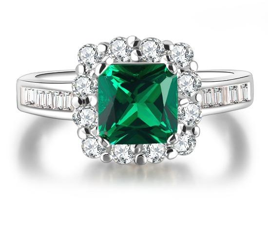 Кольцо с зелёным бриллиантом