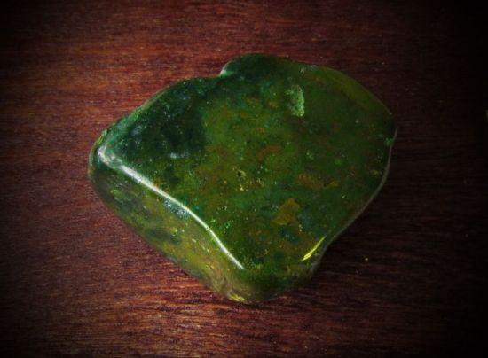 Камень агат дендритовый плазма