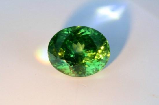 Зеленый циркон