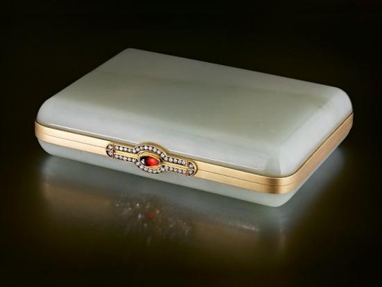 Портсигар из белого нефрита