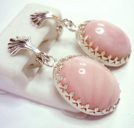 Серьги с розовым опалом