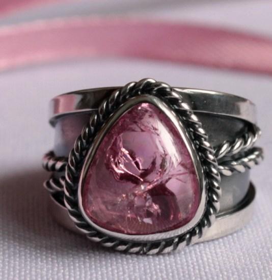 Серебряные перстень с розовым турмалином