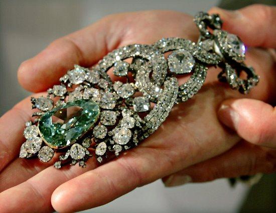 Украшение с дрезденским бриллиантом