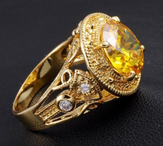 Кольцо с жёлтым топазом