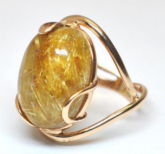 Золотое кольцо с кварцем волосатиком