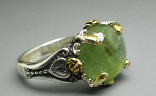 Кольцо с зелёным турмалином