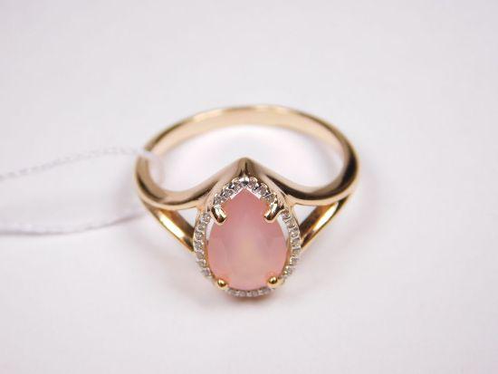 Золотое кольцо с розовым агатом