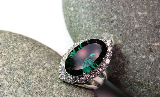 Серебряное кольцо с зелёным турмалином