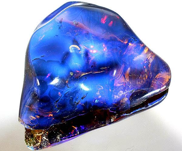 голубой янтарь из доминиканы
