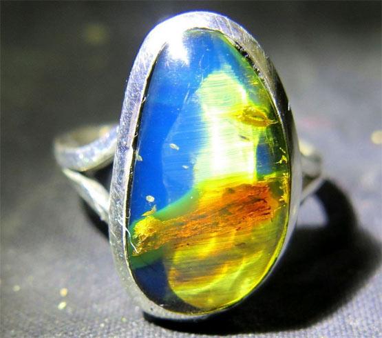 кольцо с голубым янтарем