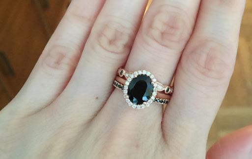 Кольцо с чёрной шпинелью