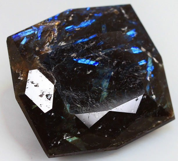 Камень nummite