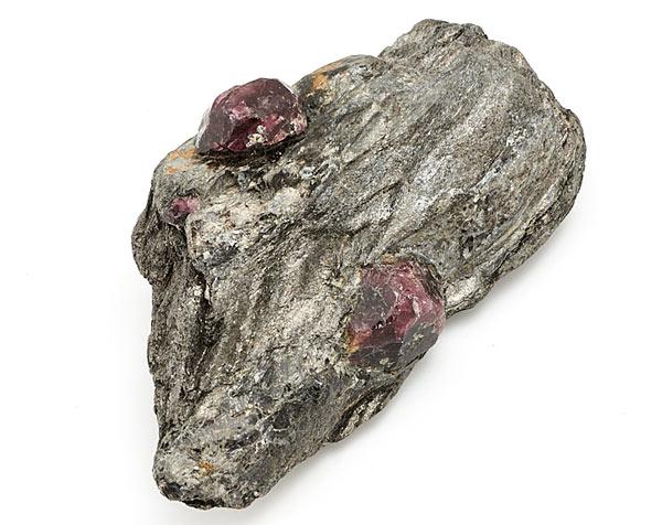 альмандин минерал