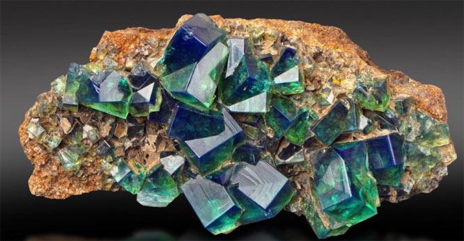 зеленые кристаллы