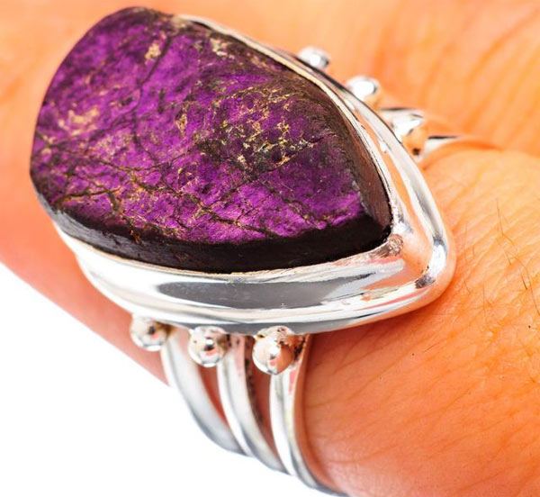 кольцо с пурпуритом