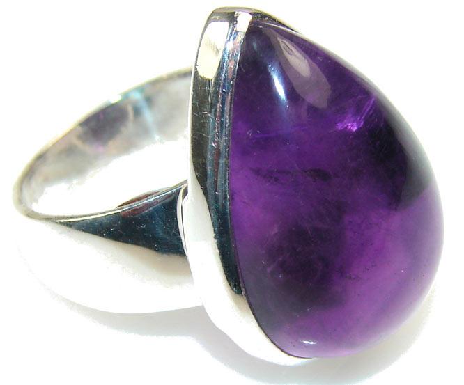 кольцо с сугилитом