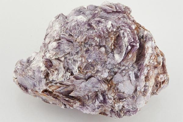 лепидолит камень