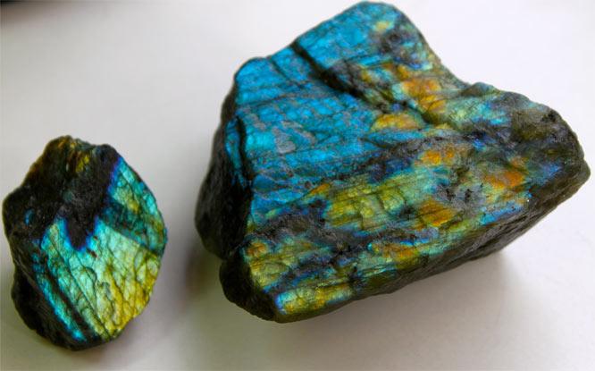 минерал лабрадорит