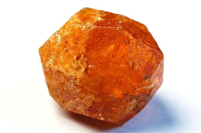 минерал спессартин
