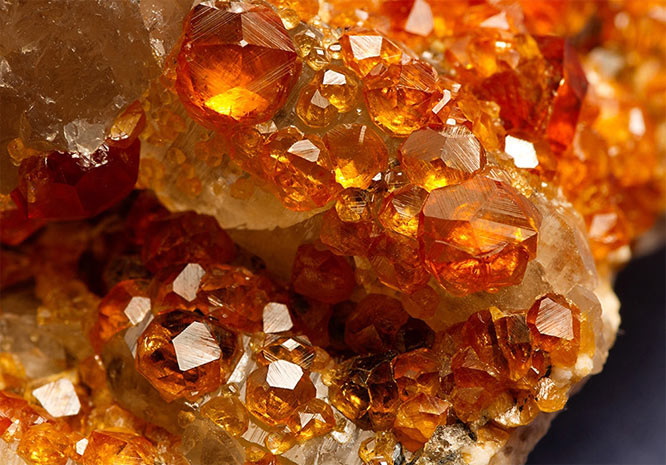 спессартин минерал