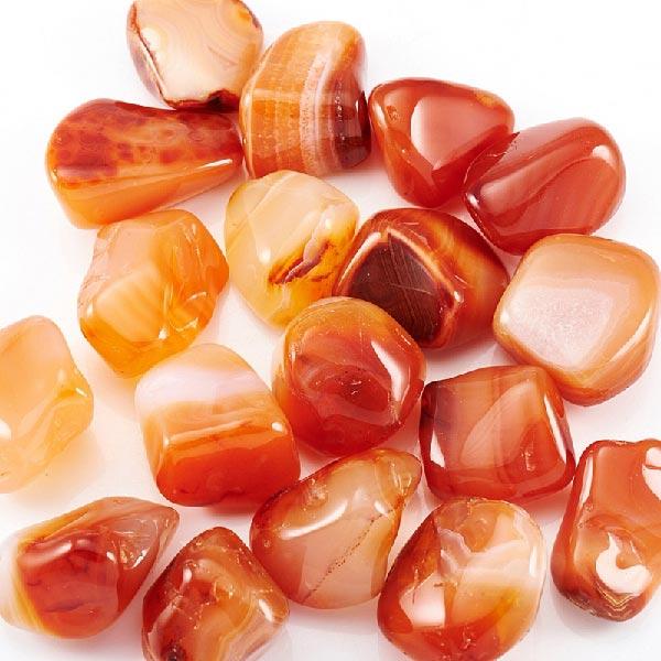 камни красного агата