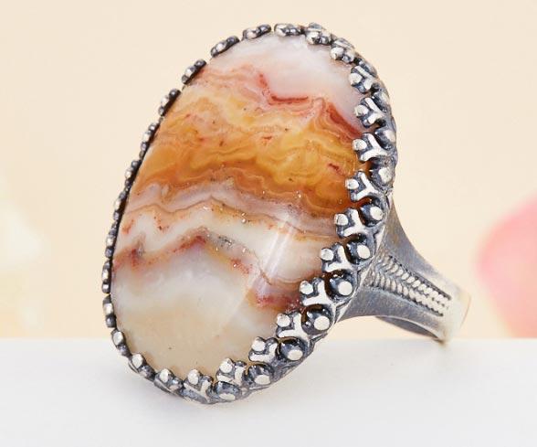 кольцо с переливтом