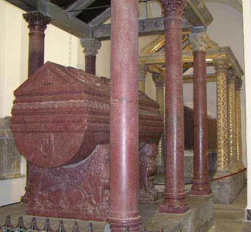 Саркофаг Фридриха II из порфира, Палермо