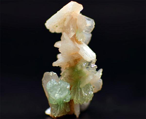 кристаллы Апофиллита