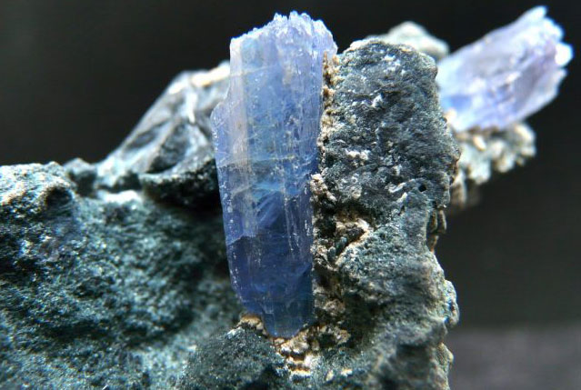 минерал Еремеевит