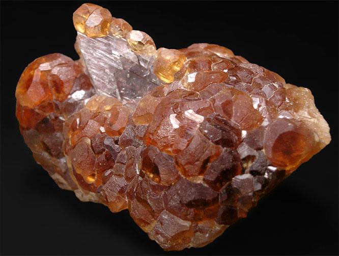 минерал Аксинит