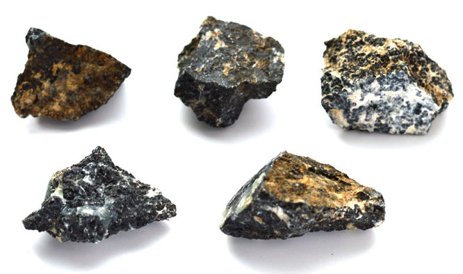 роговая обманка камень