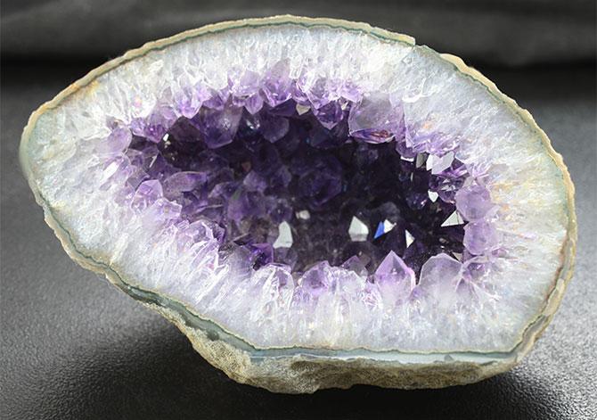 минерал жеоды