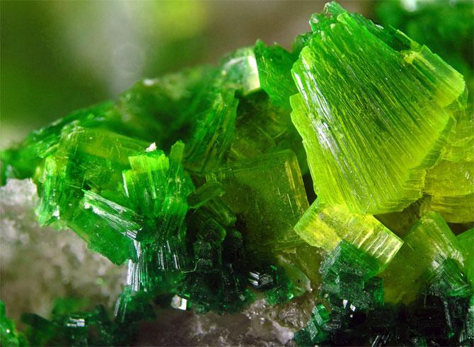 торбернит минерал