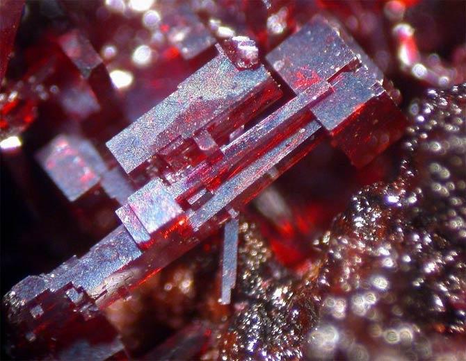 кристалл куприта