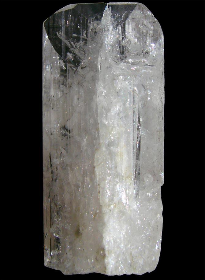 Кристалл данбурита из Мексики, высота 4,5 см
