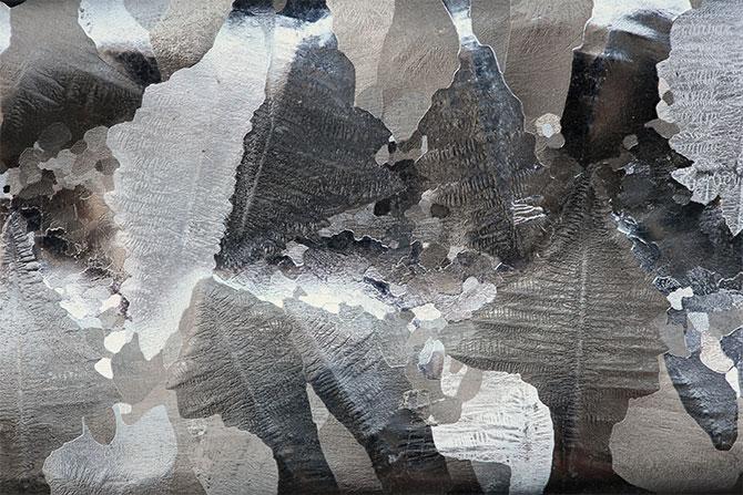 Микроструктура алюминия на протравленной поверхности слитка, чистотой 99,9998 %