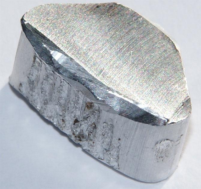 металл алюминий