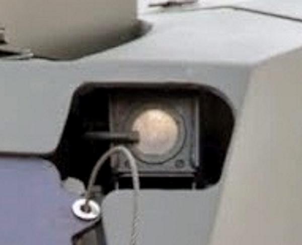 Пример линзы из кристаллического германия в военных инфракрасных камерах на танке Армата Т-14