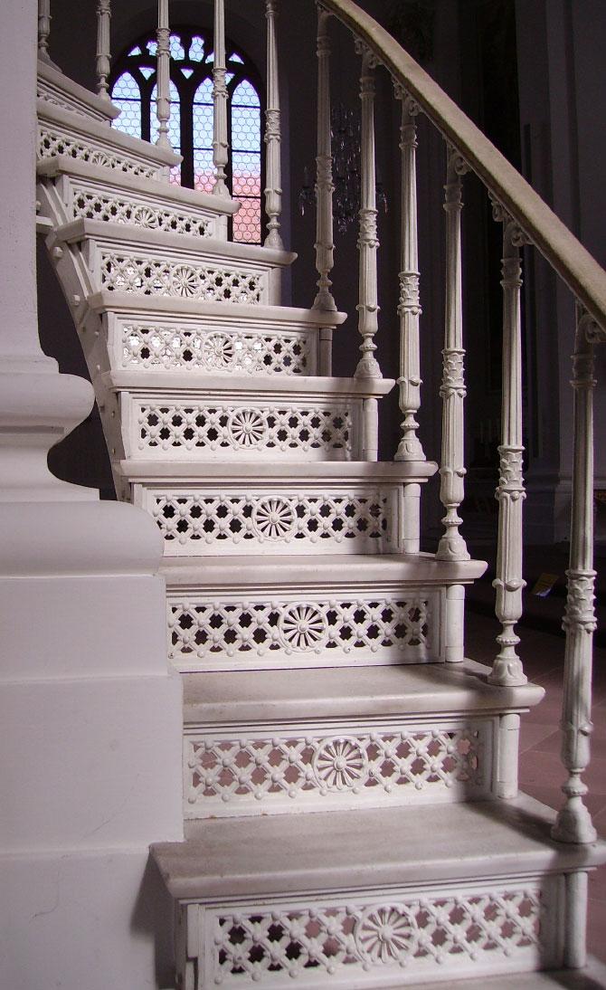 Чугунная лестница