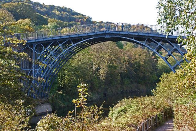 Мост через Северн — первый в мире чугунный мост