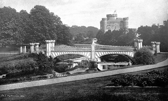 Турнирный мост Эглинтон[en] (завершено около в 1845 году), Норт-Эршир, Шотландия, построен из чугуна