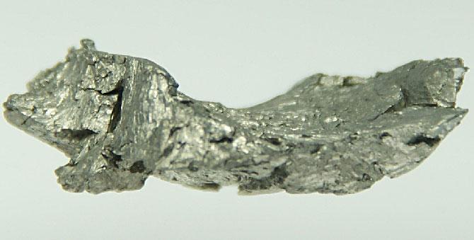 Гадолиний - мягкий вязкий металл серебристо-белого цвета